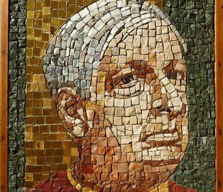 """Esposto nella casa-museo di Giorgio de Chirico il mosaico policromo di Edita Broglio """"De Chirico"""" 1969"""